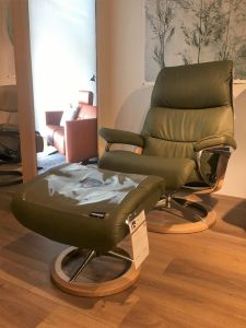 Relaxfauteuil + hocker View - L