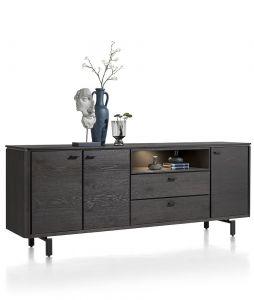Het dressoir is gemaakt van wild eikenfineer